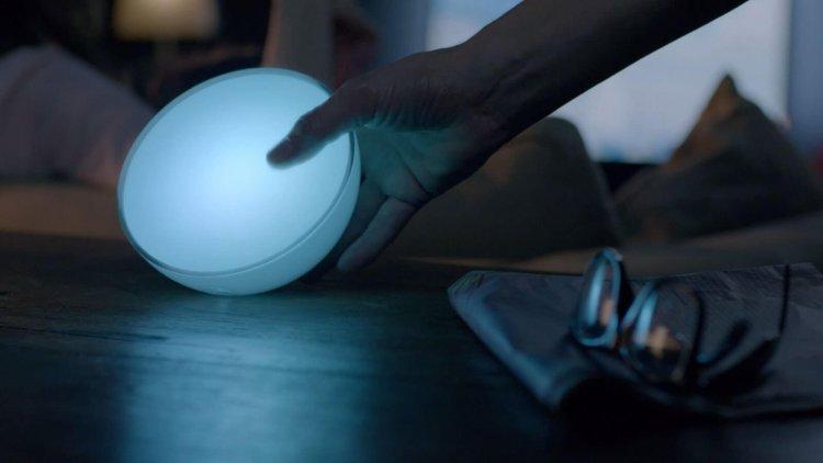 Philips Hue Go Lampada Portatile LED Opinioni, Prezzo, Recensione