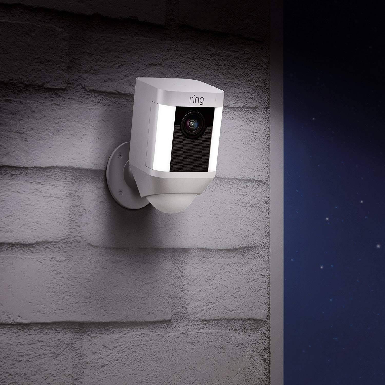 FREECAM Telecamera Floodlight Camma di sicurezza attivata dal movimento Offerte, Opinioni, Recensione